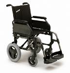 cruz roja presta silla de ruedas