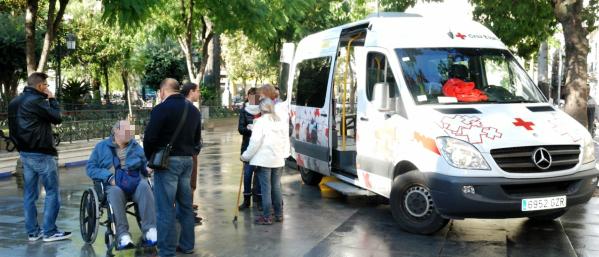 Baño Adaptado Cruz Roja:del proyecto de Transporte Adaptado, el voluntariado de Cruz Roja